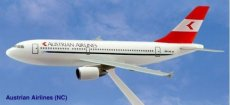 Austrian Airlines Airbus A310 1/200 scale desk model PPC