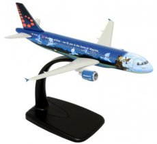 Brussels Airlines Airbus A320-200 Magritte 1/200 scale desk model