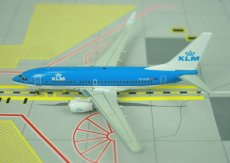 KLM Boeing 737-700 PH-BGW 1/400 scale desk model Phoenix